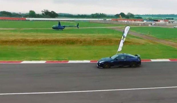 Nissan GT-R обогнал беспилотник