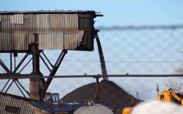 Стало известно, куда девается уголь с оккупированного Донбасса