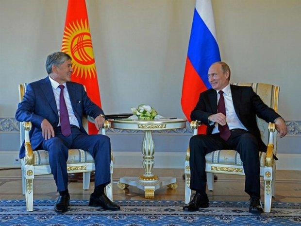 В день анексии Крыма Путин появился на публике