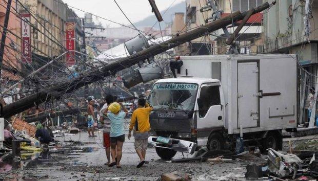 Разрушительный шторм обрушился на страну: под водой оказались целые районы, количество жертв пошло на десятки