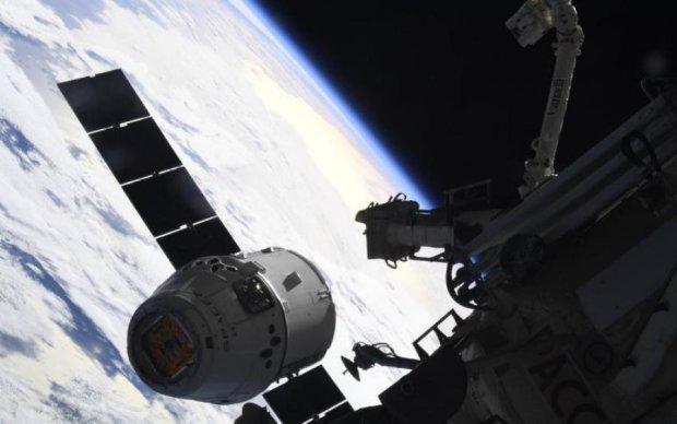 """Маск запустил в космос """"летающий мозг"""": видео"""