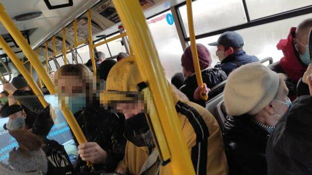 """Втомлені копи поскаржилися на львів'ян, локдаун набрид: """"Це за добу!"""""""