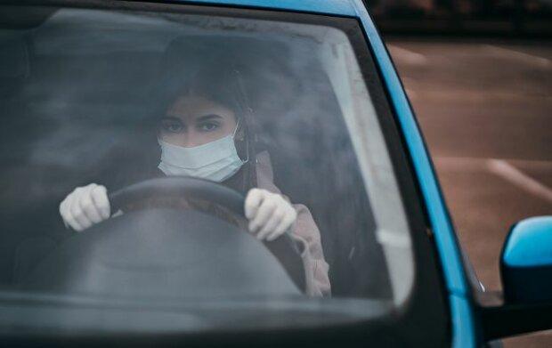 Маска у авто, фото: РБК