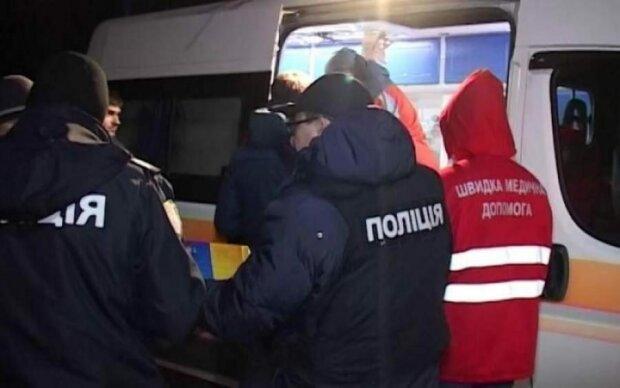 Вбили двічі: під Львовом дівчинка потрапила під колеса некерованих машин, на дитині не залишилося живого місця