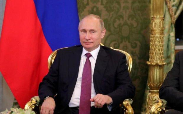 """Соцсети раскрыли """"тайну"""" царского лимузина Путина"""