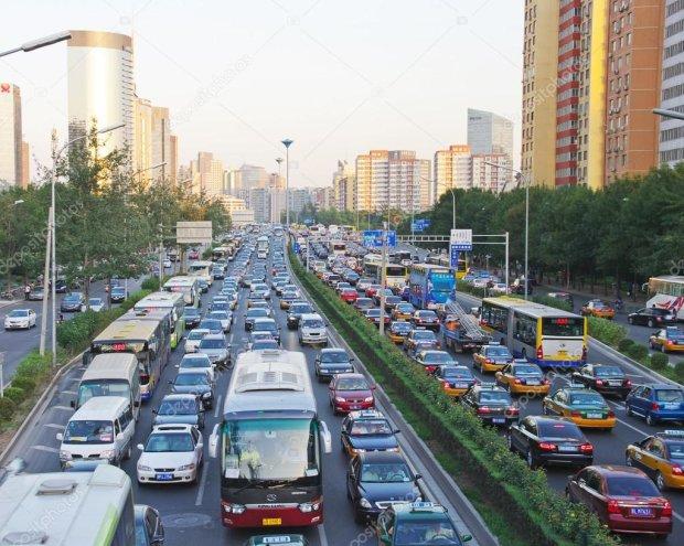 Живі позаздрили мертвим: моторошна ДТП перетворила дорогу на палаюче пекло, 25 машин ущент