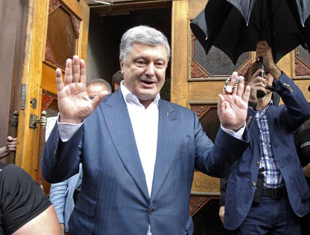 """Сын Порошенко наплевал на украинский язык: """"Простите, так получается"""", видео"""