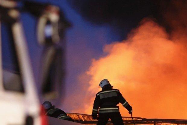 пожар уничтожил детский лагерь