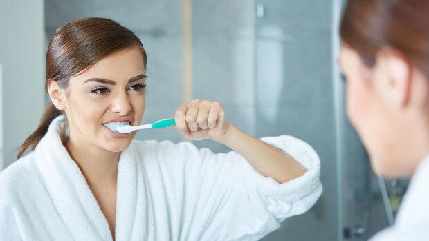 Врачи просят женщин перестать натирать вагину зубной пастой: вызывает бесплодие