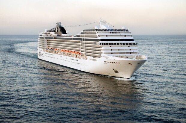 Лайнер MSC Magnifica, фото CruiseTips