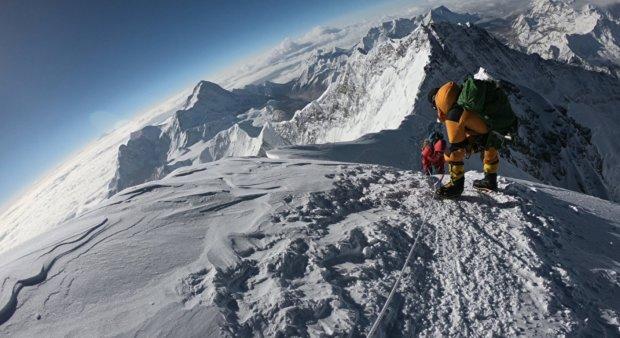 Альпіністи продовжують гинути на Евересті: фатальне сходження за $11 тисяч