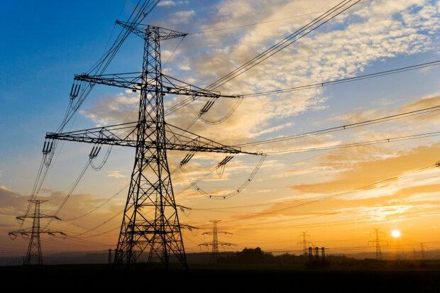Украинам доведеться жорстко економити електрику через ЄС: хто може залишитися без світла