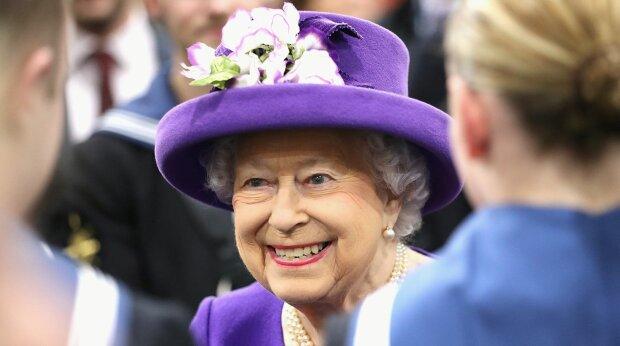 Секрети довголіття від англійської королеви Єлизавети II: гени, вино, дієта і оптимізм