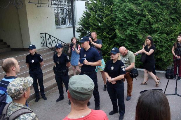 У Львові упіймали небезпечного пішохода: те, що вилучили у чоловіка, лякає не на жарт