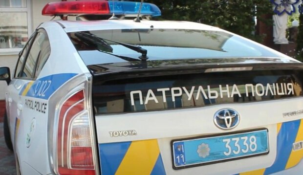 Под Киевом мужчина похитил малышку, пока мама стояла у кассы – затащил в машину, и по газам