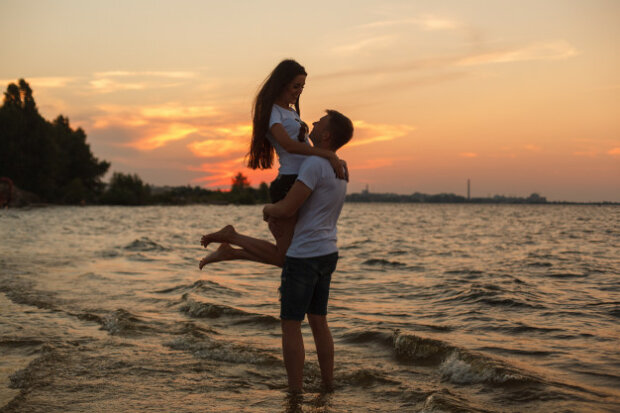 Закохана пара, фото FreePik