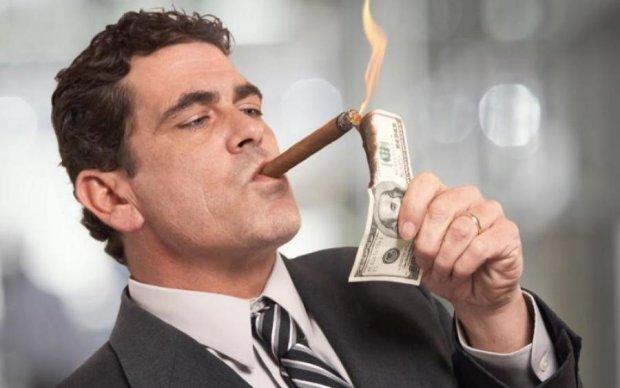 Золота трійка: Bloomberg назвав найбагатших людей світу