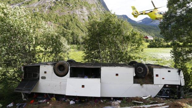 Пропасть поглотила пассажирский автобус: множество жертв