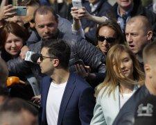Зеленский с женой на голосовании (фото ТСН)