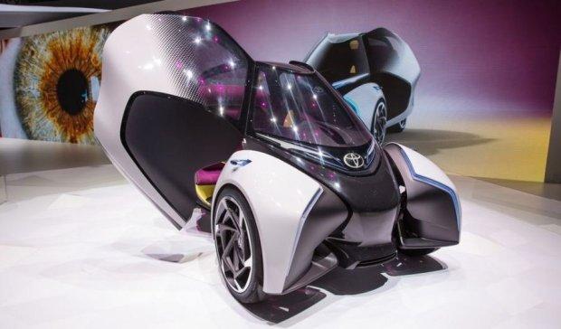 Toyota представила безпілотний електрокар