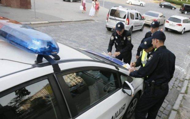 Криваві вибори на Одещині: розлючений натовп влаштував побоїще з копами