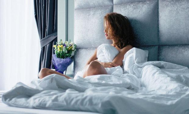 """49-летняя женщина нашла любовь всей жизни и выходит замуж, но стойте, это одеяло: """"всегда приходило мне на помощь в нужный момент"""""""