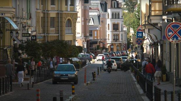 Главное за день субботы, 24 октября: Covid-19 подкрался к Кличко, Lifecell повышает тарифы, а Бондарчук удивил на похоронах матери