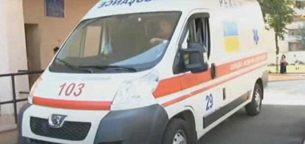 Автомобиль скорой помощи, изображение иллюстративное, кадр из видео: YouTube