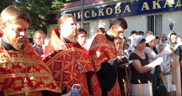 Томос у голову вдарив: московський піп пригрозив українці анафемою