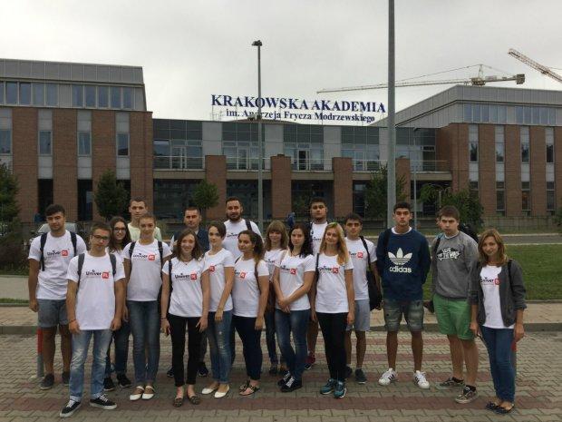 Українські студенти масово тікають до Польщі: шокуючі цифри
