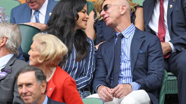 Руйнівниця сімей і гаманця: найбагатша людина в світі Джефф Безос показав свою коханку