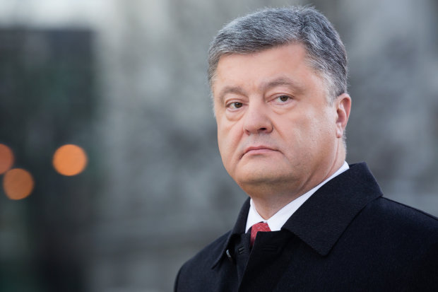 Тимошенко зажадала від Порошенка зняти свою кандидатуру з виборів