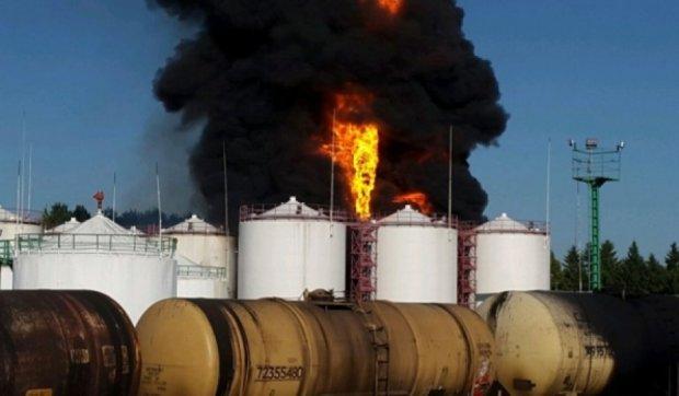 Пожар на васильковской нефтебазе ликвидировали