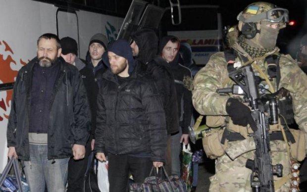 Обмен пленными: путинский прихвостень придумал проблемы