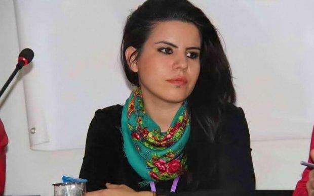 """""""Неправильная"""" картина стоила турецкой художнице трех лет тюрьмы"""