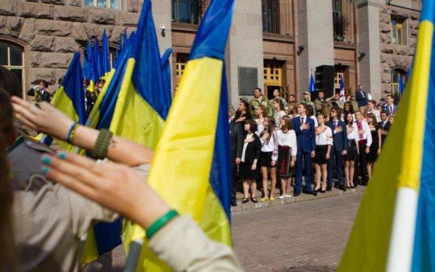 """""""Из города вытекала кровь"""": переселенка с Донбасса рассказала душераздирающую историю об украинском флаге"""