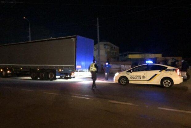 В Тернополе бешеная машина сбила коляску с полуторагодовалым малышом: ужас, крики и заплаканная мама