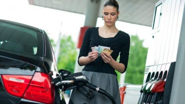 «Если курс будет нестабильным, стоимость бензина подскочит до 40 гривен» - эксперт