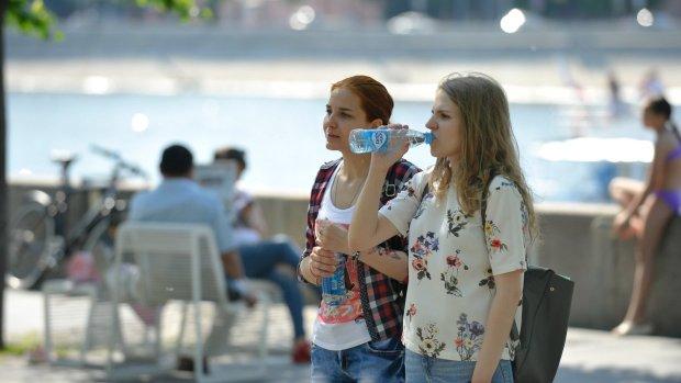 Самый жаркий день лета в Киеве: синоптики предупредили об аномальной температуре, запасайтесь водой