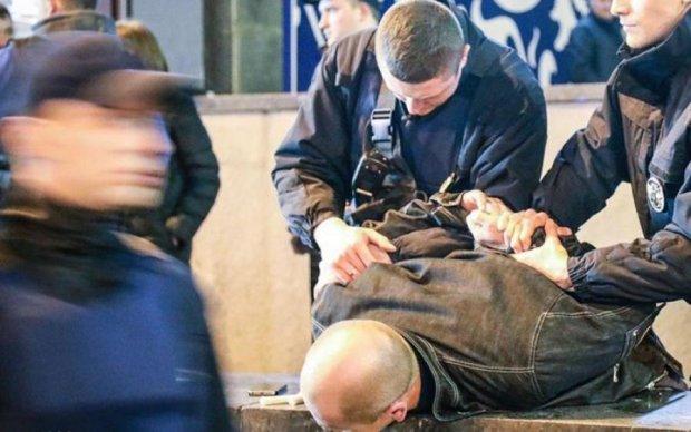 Кровавая жесть! Неадекват устроил резню в киевском метро