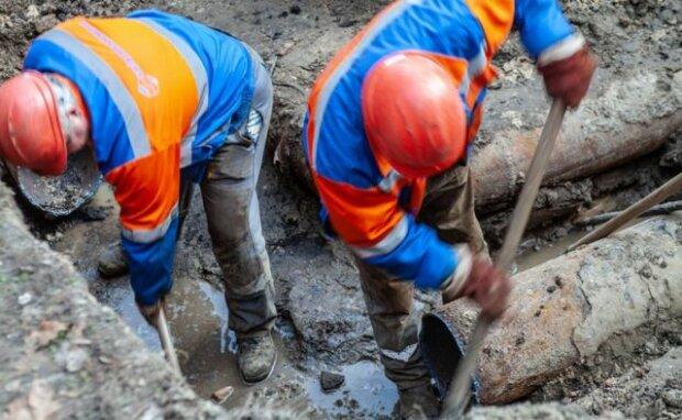 Без света и воды: коммунальщики Садового устроили львовянам адский вторник,- как пещерные люди
