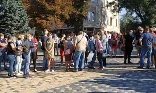 """Тернопольщина объявила """"войну"""" Зеленскому из-за карантина, нервы горожан на пределе: """"Дайте работать!"""""""