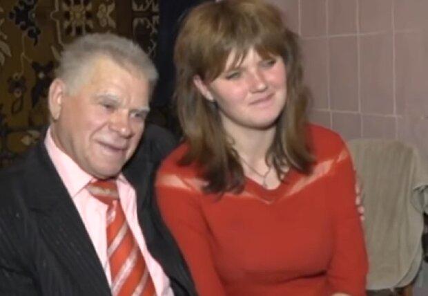 Украинцы показали пример счастья в паре, которую затравили все: ему 78, ей - 23
