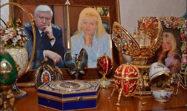 Палаци Пшонки та Януковича через 5 років: вкрали навіть розетку