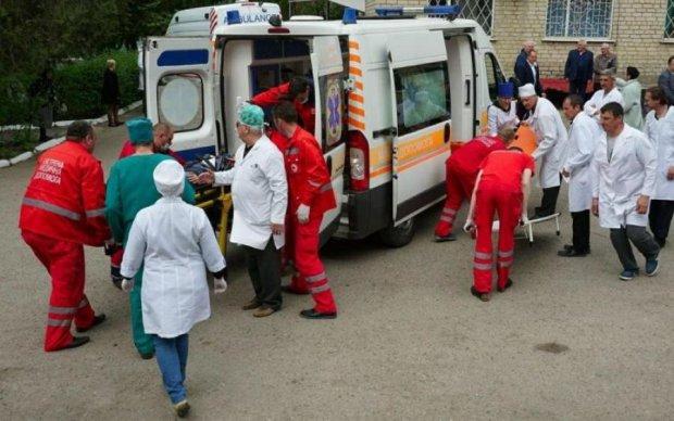 Кровавое ДТП с пассажирским автобусом в Киеве: первые кадры