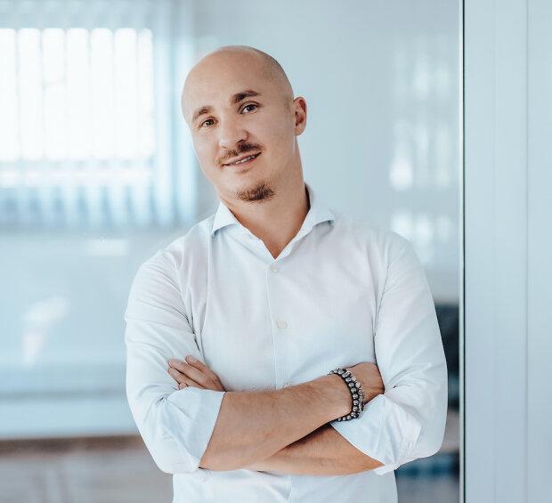 Сергій Карташов