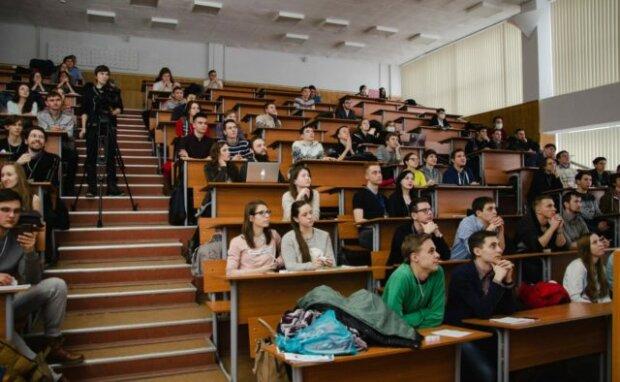 10 стипендій за квартиру: в Києві наплив студентів накрутив ціни на житло, - батьки, краще сядьте