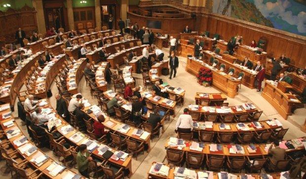 На виборах у Швейцарії перемогли противники Євросоюзу