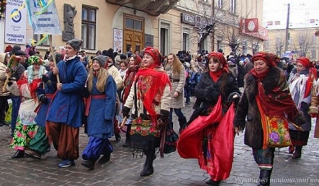 Посіпаки та балерини показали сучасну Маланку (фото)