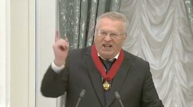 """Жириновського схопила """"стара хвороба"""", більше не витримує цього робити: """"Занадто довгий"""""""